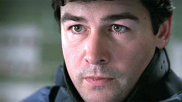 Kyle Chandler: A Look Back At His Iconic 'Grey's Anatomy' Role & What He's Doing Now.jpg