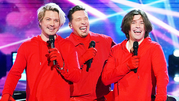 Hanson Brothers Reveal Their Secret Switch-Ups As The Russian Dolls On 'Masked Singer'.jpg
