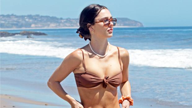 Delilah Hamlin, 23, Rocks A Strapless Green Bikini On Vacation In Mexico With BF.jpg