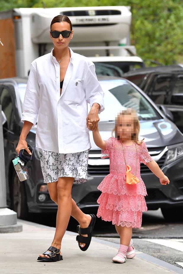 Irina Shayk with daughter Lea