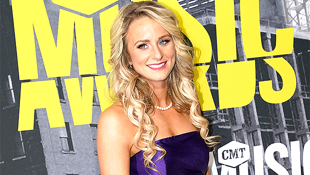 Leah Messer Rocks A Crop Top & Swimsuit With Cover-Up On Vacation With Friends — Pics.jpg