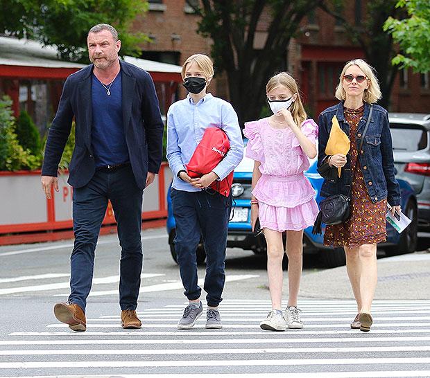 Liev Schreiber, Naomi Watts, Sasha, Kai