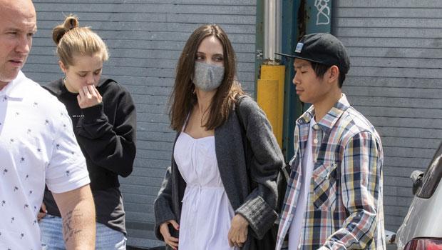 Angelina Jolie, Shiloh & Pax
