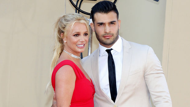 Britney Spears Leans In For A Kiss With Boyfriend Sam Asghari In Sultry New Pic.jpg