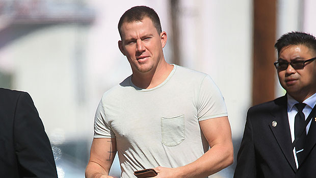 Channing Tatum Goes Shirtless & Looks Incredibly Ripped In New Beach Pic With Daughter Everly
