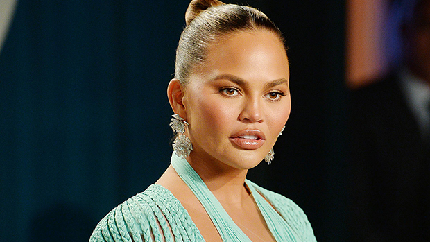 Chrissy Teigen Apologizes For 'Awful' Old Tweets Insulting Courtney Stodden & More: 'I'm Ashamed'.jpg