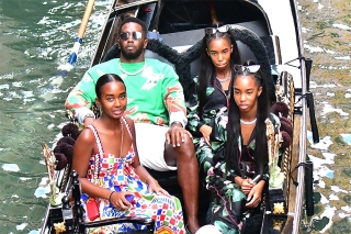 Venice, ITALY  - *EXCLUSIVE*  - Proud dad!  Sean 'Diddy' Combs was spotted with his three daughters, Chance and twins D'Lila Star and Jessie James as the family enjoy the sights during a gondola ride out on their holidays in Venice. The group have been in town supporting D'Lila Star and Jessie James  Diddy's twin daughters, D'Lila and Jessie, as they made their runway debut at the Dolce & Gabbana fashion show. The girls appear to have followed in the footsteps of their late mom, Kim Porter who passed unexpectedly in 2018 from pneumonia. Diddy sat back as the group enjoyed a gondola ride and the girls snapped photos along the way. Diddy's famous ex, Jennifer Lopez also attended the celebrity packed show on Sunday.  Pictured: P Diddy, Sean Combs , Puff Daddy, Diddy, Jessie James, D'Lila Star, Chance Combs   BACKGRID USA 1 SEPTEMBER 2021   BYLINE MUST READ: Cobra Team / BACKGRID  USA: +1 310 798 9111 / usasales@backgrid.com  UK: +44 208 344 2007 / uksales@backgrid.com  *UK Clients - Pictures Containing Children Please Pixelate Face Prior To Publication*