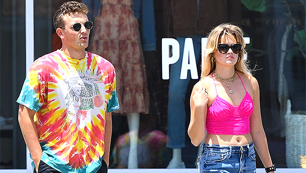 Ava Philippe, 21, Looks Just Like Mom Reese Witherspoon As She Rocks A Crop Top On Lunch Date With BF.jpg