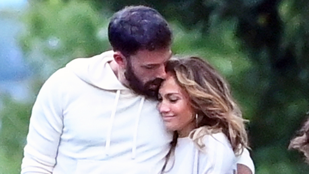 Ben Affleck Wraps His Arm Around J.Lo & The Couple Goes IG Official At Leah Remini's Birthday Party.jpg