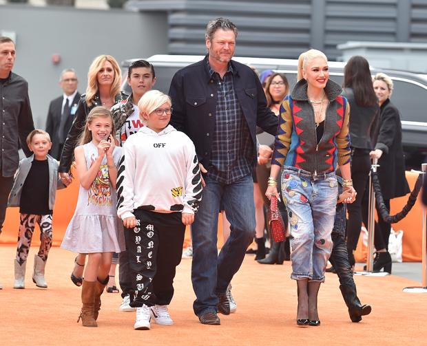 Blake Shelton & Gwen Stefani with her children