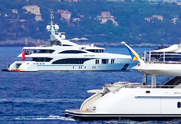 J. Lo and A-Rod's yachts