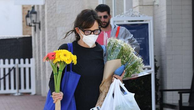 Jennifer Garner Goes Flower Shopping In L.A. As Ex Ben Affleck Grabs J.Lo's Booty On St. Tropez Yacht — Photos.jpg