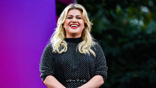 Kelly Clarkson Goes Makeup Free In A Louis Vuitton Jacket Amid Spousal Support Order