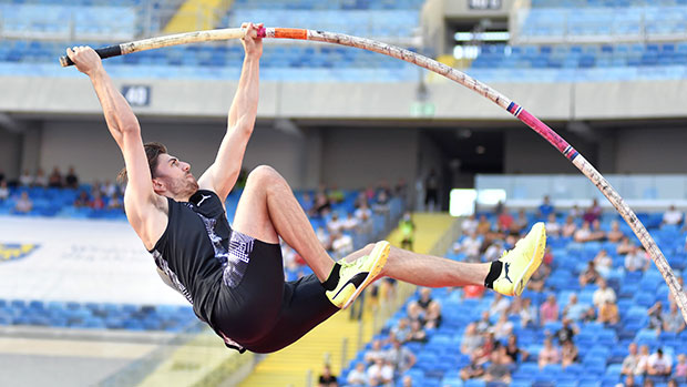 Olympic Pole Vaulter Harry Coppell, 25, Loses A Tooth While Training In Tokyo — Photo.jpg