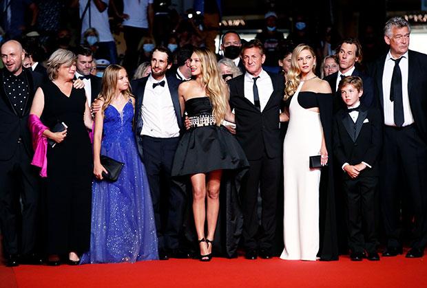 Sean Penn with his kids