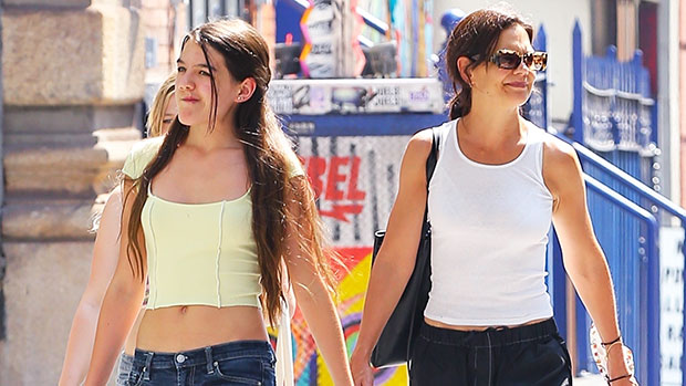 Suri Cruise, 15, Looks So Grown Up In Cute Top & Low-Rise Jeans While Out With Mom Katie Holmes — Photo.jpg