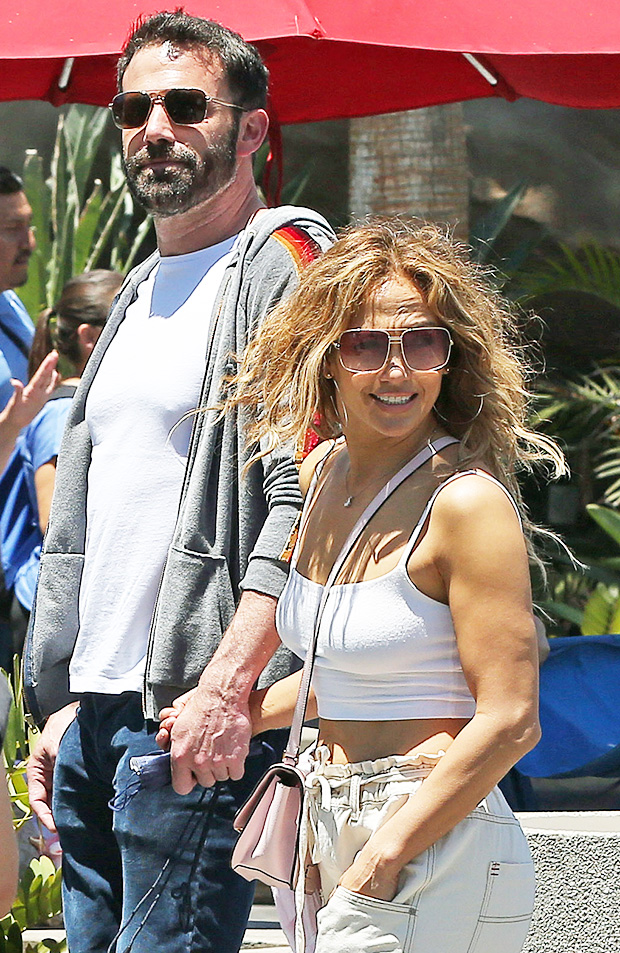 Jennifer Lopez Reportedly Bought Jewelry For Ben Affleck'S Daughters During Her Birthday Celebration - Light Home News