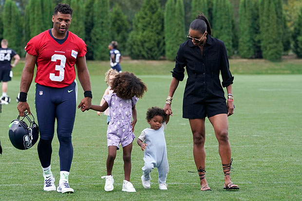 Russell Wilson & Ciara with their kids