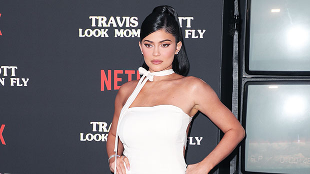 Kylie Jenner Covers Her Entire Body In Gold Paint To Announce Her New 24k Cosmetics Collection