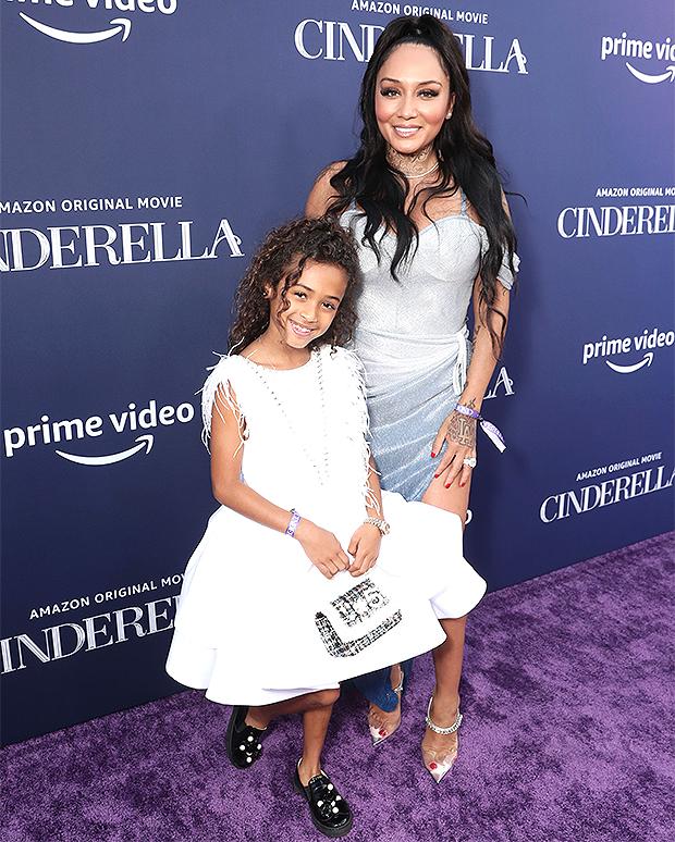 Nia Guzman & Royalty Brown