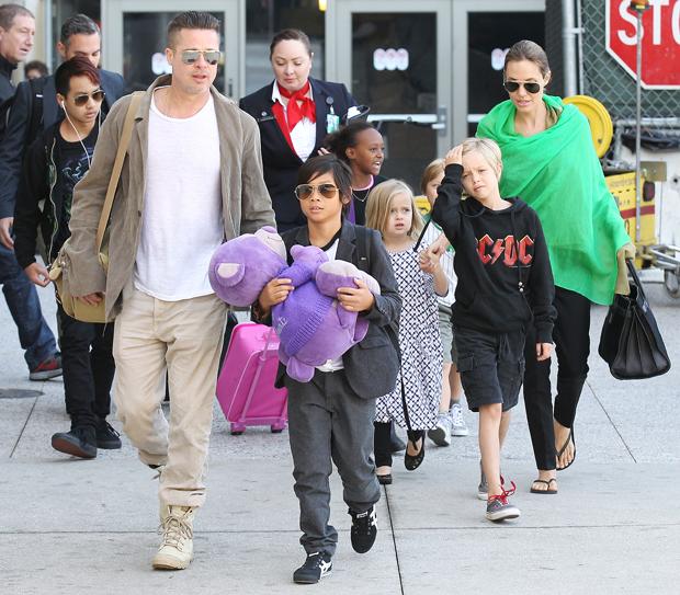 Brad Pitt & Angelina Jolie with their kids