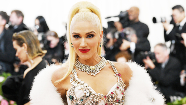 Gwen Stefani Reveals The Moment She Said 'Yes' To Her Wedding Dress In Stunning Video