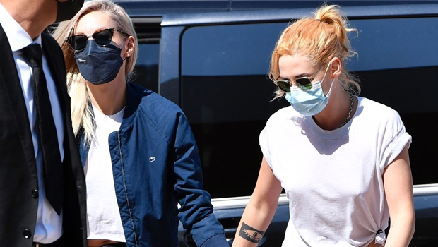 Kristen Stewart Shows Off Her New Blonde Hair While Holding Hands With GF Dylan Meyer In Venice — Photo.jpg