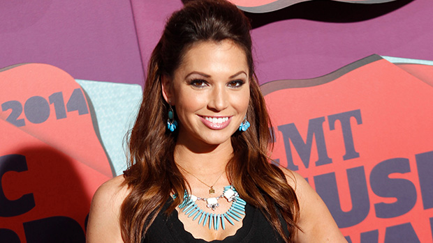 'DCC: Making The Team': Melissa Rycroft Reveals The 'Positives' Of Training & Filming During COVID.jpg