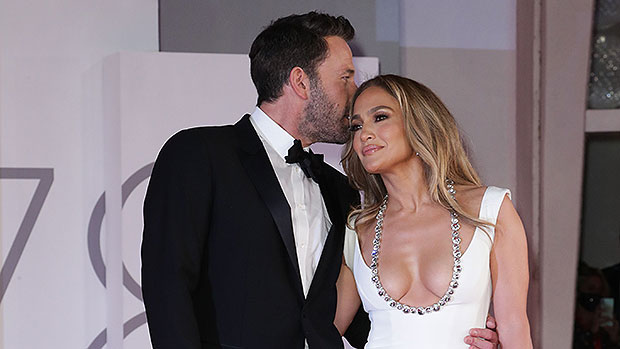 , Ben Affleck's Ex Gwyneth Paltrow Reacts To His Red Carpet Debut With J.Lo In Venice: 'This Is Cute', The World Live Breaking News Coverage & Updates IN ENGLISH
