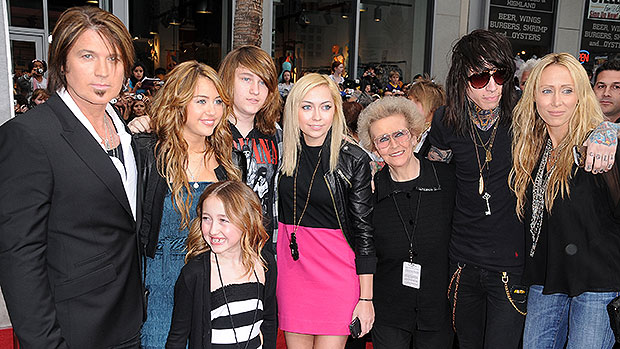 Billy Ray Cyrus' Kids: Everything To Know About The Country Star's 6 Children.jpg