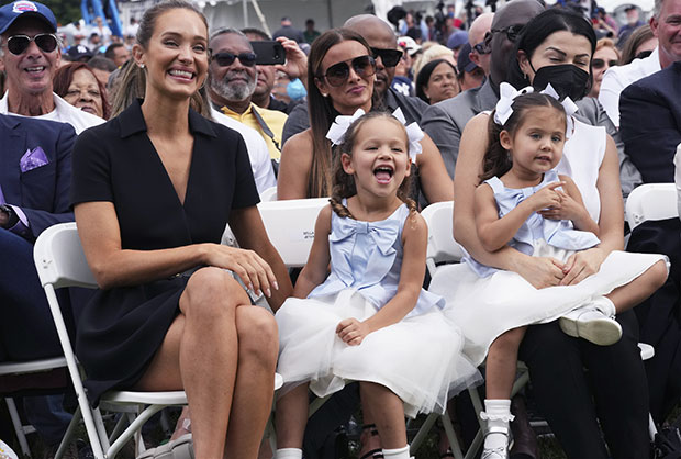 Hannah Davis and daughters