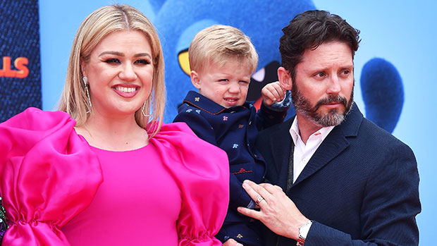 , Kelly Clarkson's Kids: Meet Her 2 Little Ones, River Rose & Remington, The World Live Breaking News Coverage & Updates IN ENGLISH