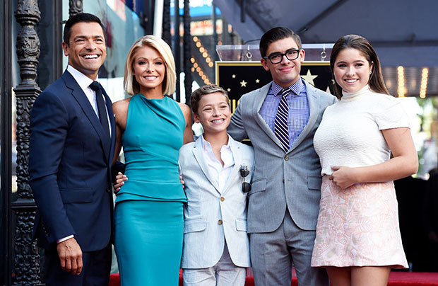Kelly Ripa & Mark Consuelos with their kids