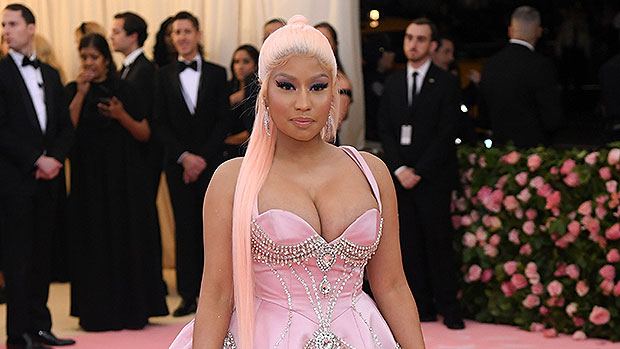 Picture - Nicki Minaj Debuts Hot New Hair Makeover With Pink Streak — Before & After Photos