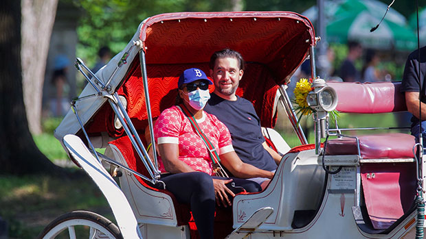 Serena Williams & Alexis Ohanian Snuggle Up On Romantic Carriage Ride In Central Park.jpg