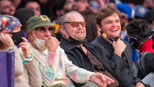 Jack Nicholson, 84, Makes Rare Public Appearance At Lakers Game For The 1st Time In 2 Years.jpg