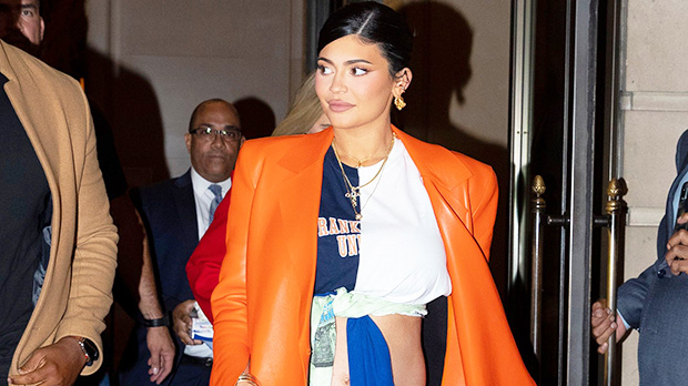 Pregnant Kylie Jenner Shows Off 'Growing' Baby BumpWithPhotoOfHer Naked Shadow