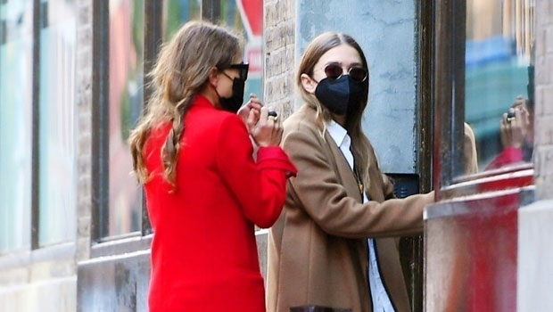 Mary Kate & Ashley Olsen Make Rare Joint Outing In NYC Together After Mary-Kate's Divorce.jpg