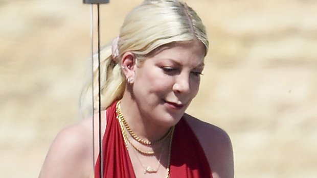 Tori Spelling Seen Without Her Wedding Ring On Outside Lawyer's Office Amid Divorce Rumors.jpg
